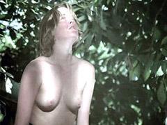 Melanie Griffith sparkles hairy pussy..