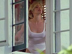 Cameron Diaz reveals her hot panty..