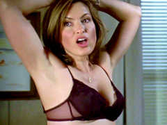 Mariska Hargitay of Law & Order does her big rack justice