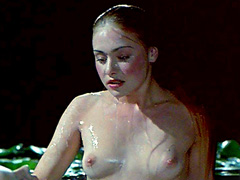 Portia de Rossi reveals sweet rack and butt posing nude for a painter