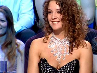 Model Oksana d'Harcourt fully undresses on TV show