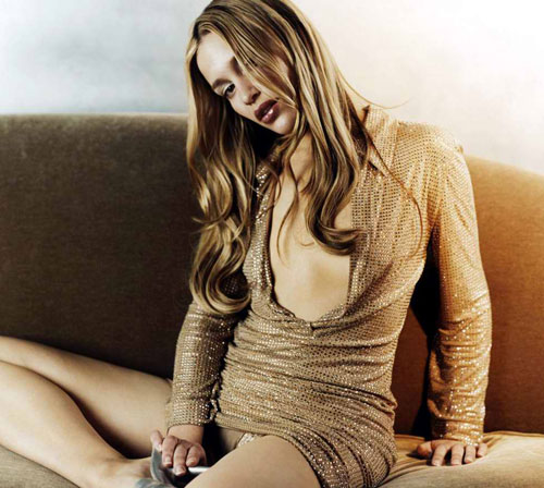 More S And Videos With Naked Piper Perabo