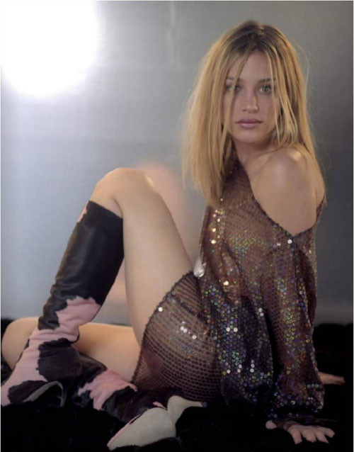 Get More Shocking S And Movies With Naked Piper Perabo
