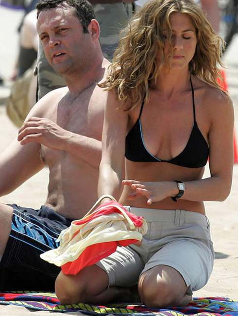 Tapes Jennifer Aniston Great Tits And Ass In Sey Bikini