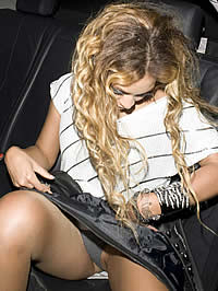 Beyonce Knowles cleavage and upskirt..