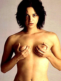 Asia Argento showing her nice pussy and..