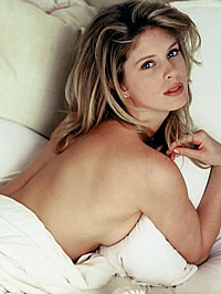 Rachel Hunter topless bed and sexy..