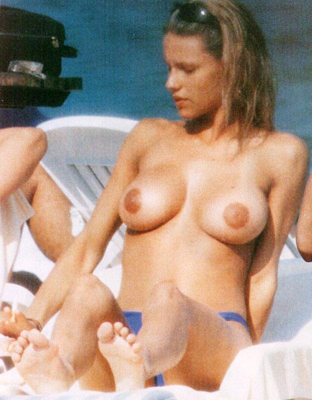 topless Celebrities sunbathing