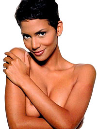 Halle Berry show off her perfect round..