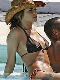 Cheryl Cole nipple gaffe and bikini shots