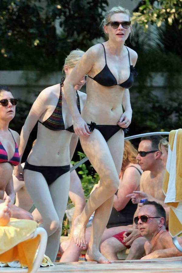 Kirsten Dunst hot bikini upskirt panties and pussy slips ...