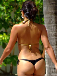 Vida Guerra shows their way amazing ass..