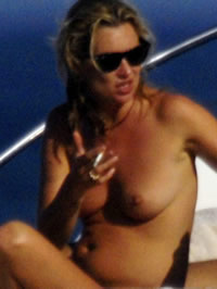 Kate Moss nude photos & topless..