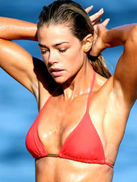 Denise Richards bikini beach pictures