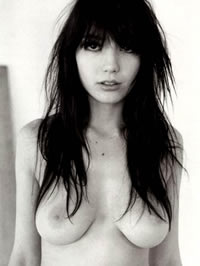 Daisy Lowe shows her amazing boobs and..