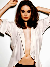 Alison Brie sexy posing pics and hot..