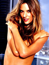 Alessandra Ambrosio glamour bikini..