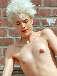 Agyness Deyn shows her shaved pussy and..
