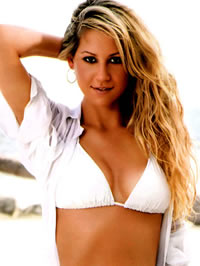 Anna Kournikova shows her amazing hot..