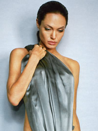 Angelina Jolie posing totaly nude on..