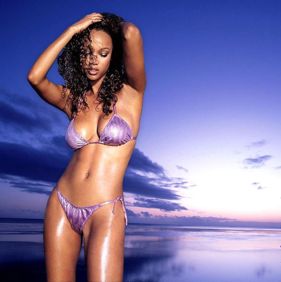 nude tyra banks at the beach