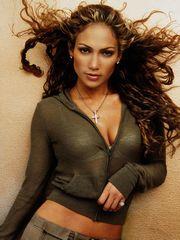Jennifer Lopez is a glamorous beauty..