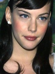 Liv Tyler has awesome chap-fallen eyes.
