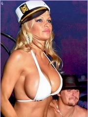 Pamela Anderson is hot as hell in her..