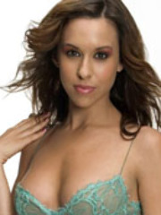 The pretty Lacey Chabert bares her titties in these fake..