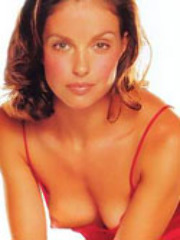 Pretty actress Ashley Judd posing wild..