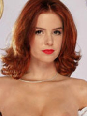 Actress Isla Fisher getting naked and..
