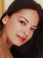 Lovely Kristen Kreuk's got what it..