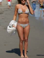 Pics of sultry Carmen Electra and her..