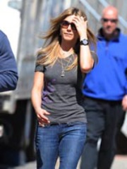 Sexy Jennifer Aniston standoffish pics