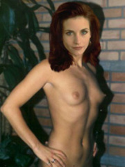 Friends star Courteney Cox naked and..