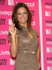 Seductive Adriana Lima excites the..