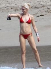 Gwen Stefani down Bikini