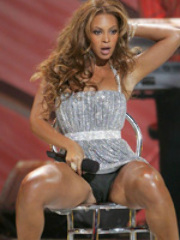 Sexy ass Beyonce Knowles enjoying her..