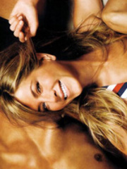 Hollywood star Jeniffer Aniston looking..