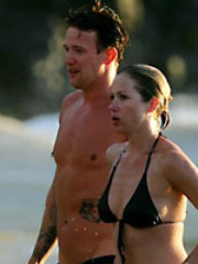 Pretty Christina Applegate enervating a..