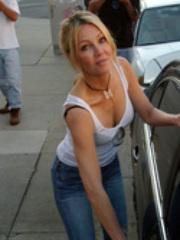 Gorgeous Heather Locklear walking..