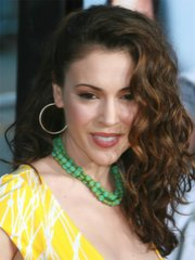 Hot actress Alyssa Milano shows her..