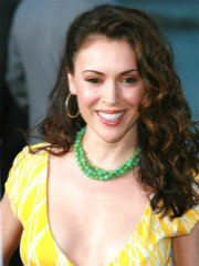 Sexy Alyssa Milano bares her hot body..