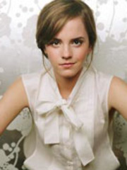 Potter star Emma Watson gets an upskirt..