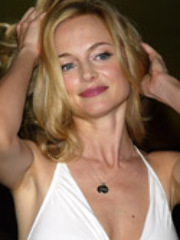 Alluring Heather Graham having a steamy..
