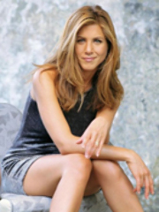 Celeb Jennifer Aniston gets space..