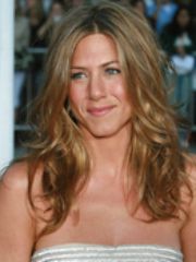 Celeb Jennifer Aniston gets snapshot..
