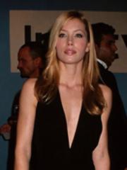 Hot Jessica Biel reveals her sexy body..