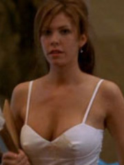 Hot Nikki Cox shows her luscious..