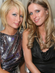 Cute celeb Paris Hilton flirts with the..